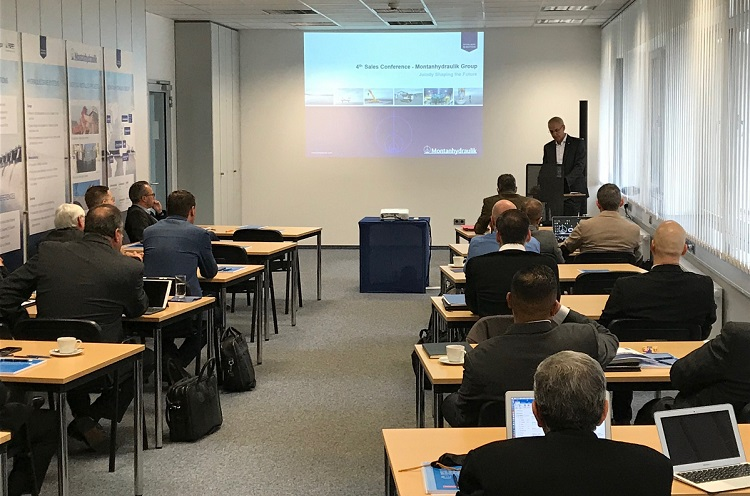 Präsentation während der 4th Global Sales Conference der Montanhydraulik Group